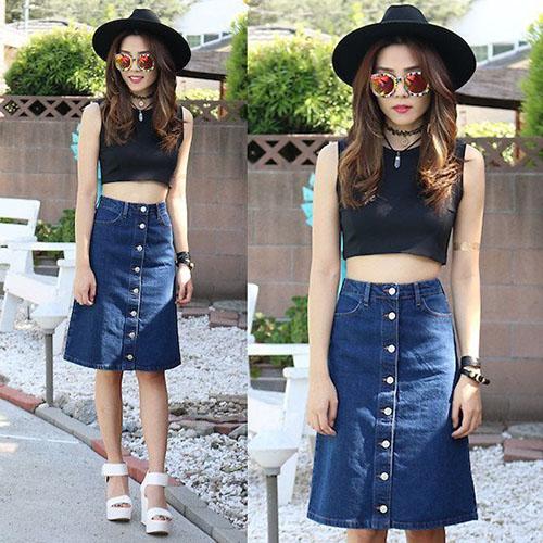 Áo Crotop được mix cực chất với chân váy chất liệu jeans