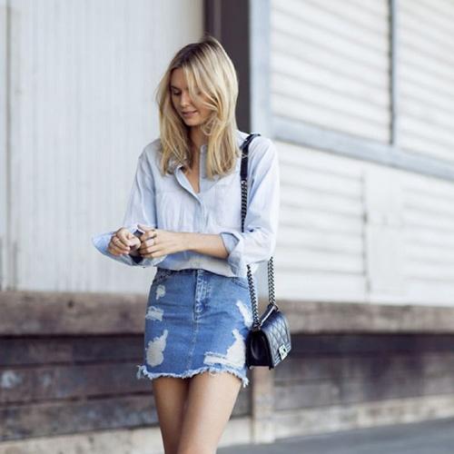 Chân váy jeans là dạng váy mang phong cách và kiểu dáng của quần jeans, thích hợp cho nữ giới..