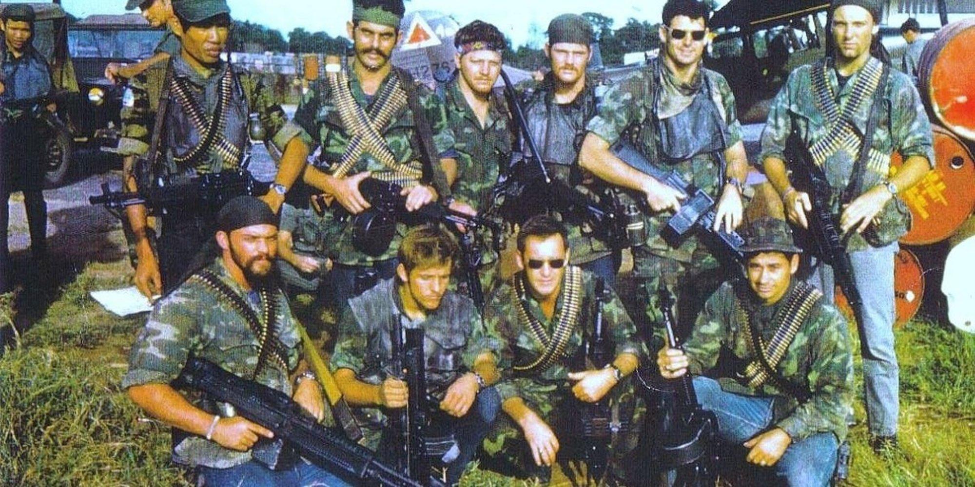 Hình chụp vào năm 1967, một nhóm đặc nhiệm Navy Seal đang mặt Light Blue Jeans tại Việt Nam