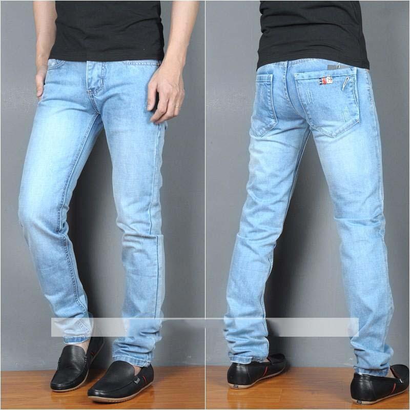 Mẫu jeans ống côn light blue jean phong cách
