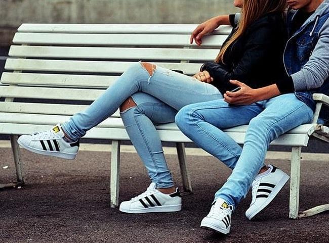 Quần jeans couple xu  hướng thể hiện tình cảm mới của giới trẻ