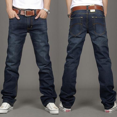 Quần jeans ống côn là loại quần jeans được thiết kế với ống quần rộng rãi tạo nên sự thoải mái cho người mặc.