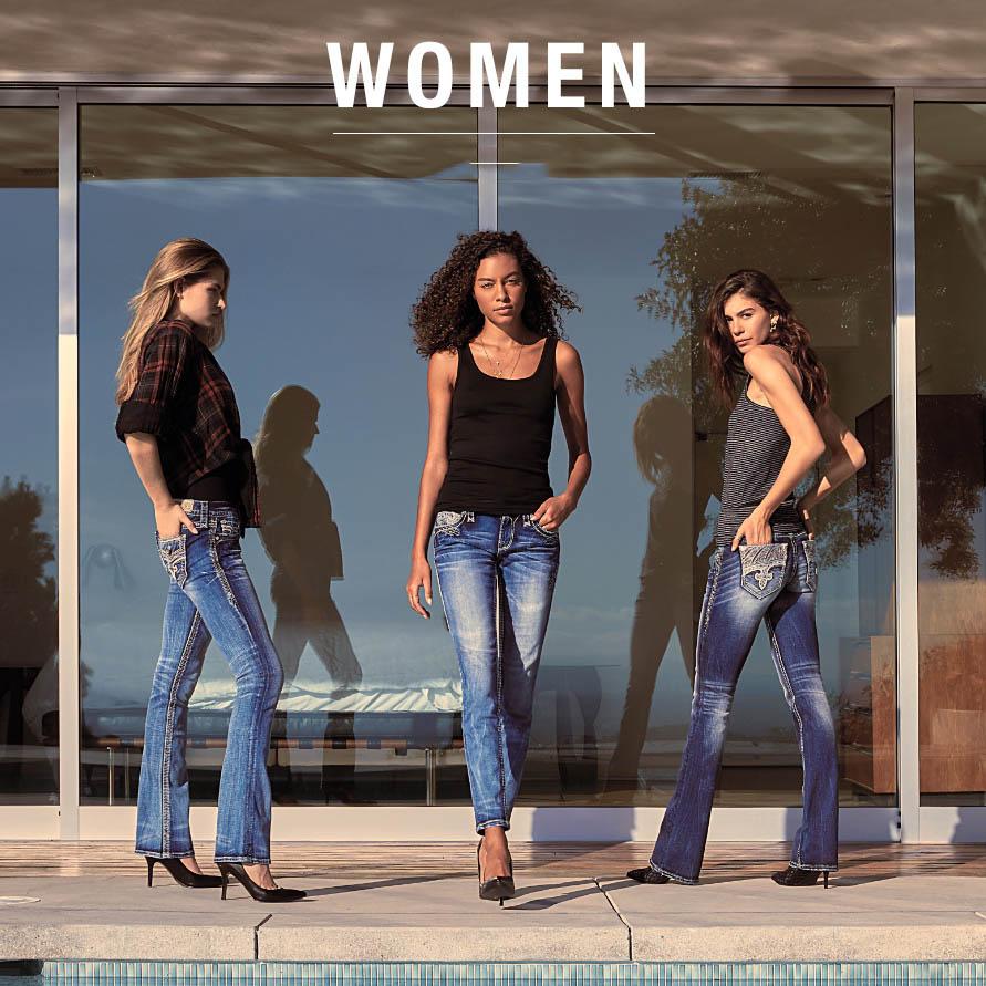 Sexy hơn cùng với SET đồ boot cut jeans Mix với áo thun 2 dây nữ tính.