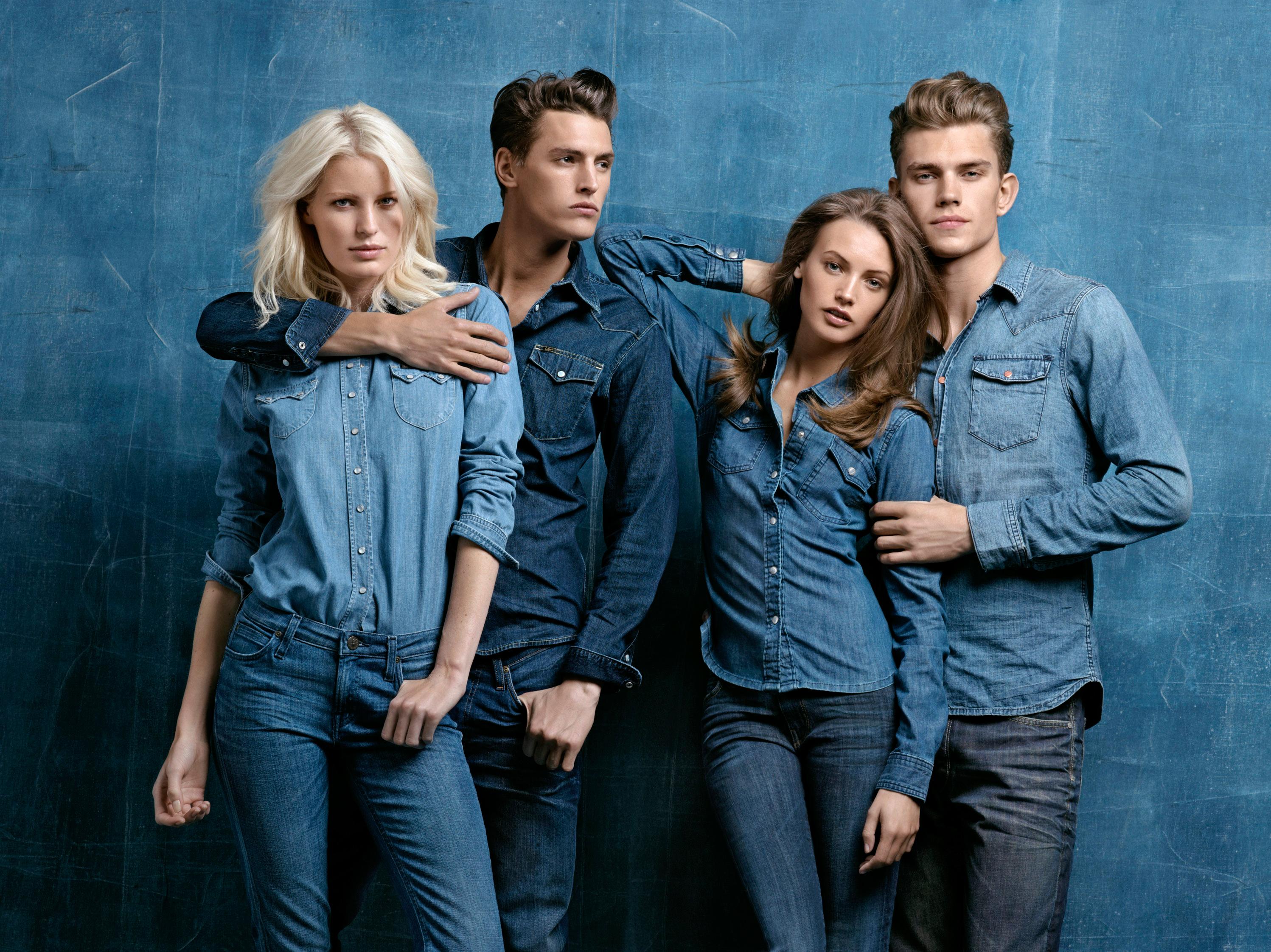 Skinny couple jeans danh cho các cặp đôi là một xu hướng đang HOT của giới trẻ