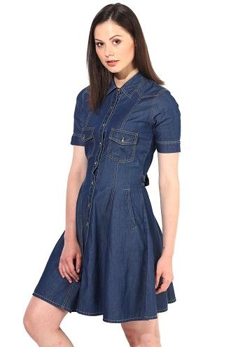 Đầm jean ngắn được thiết kế đầy phong cách và rất gợi cảm