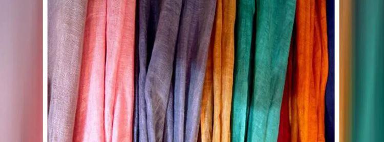 Một mẫu vải bị phai màu trong quá trình tiếp xúc với ánh sáng mặt trời