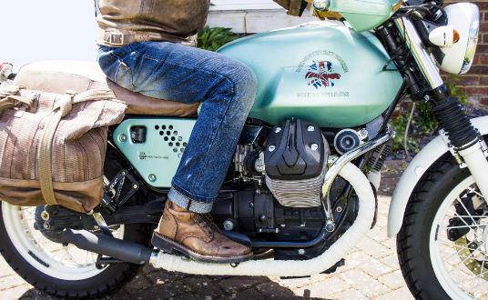 Dân đi phượt đặc biệt yêu thích regular fit jeans vì sự thoải mài mà vẫn giữ được vẻ đẹp hầm hố của nó mang lại cho người mặc