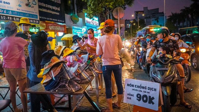 Mũ Chống Dịch Bệnh đành cho trẻ em đang nhiều người tiềm mua, rất đắt hàng tại Tphcm