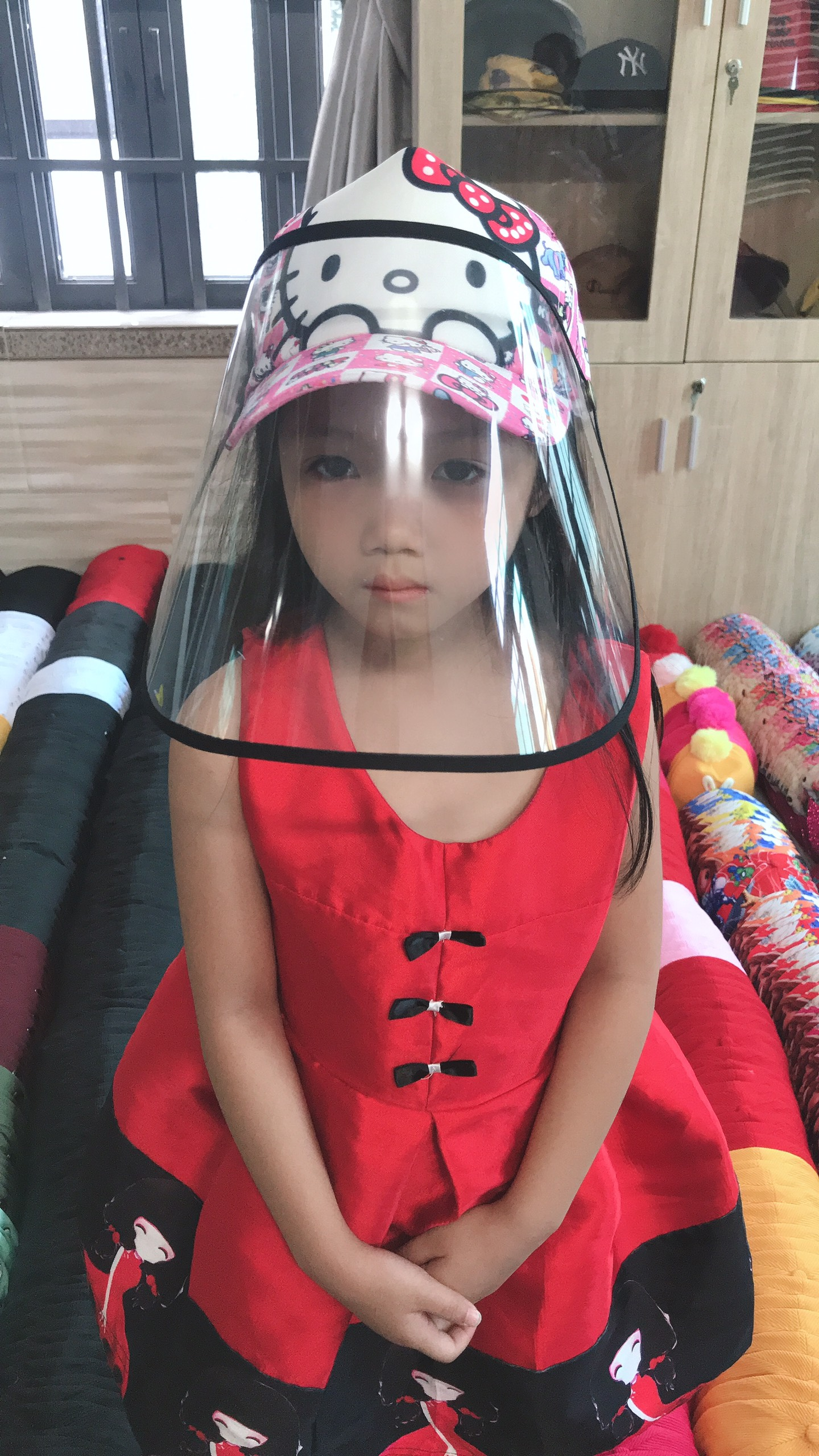Mũ Chống Dịch Dành Cho Bé Gái In Màu Hồng Kim Tuyến 12