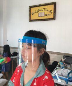 Vành Chống Dịch Bằng Nhựa Loại Đơn Giản Gài Nút Mẫu Trơn Chưa In Logo 7