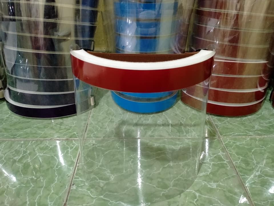 Vành Chống Dịch Bằng Nhựa Loại Tối Giản Đeo Bằng Thun Mẫu Trơn Chưa In Logo 8