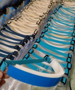 Vành Chống Dịch Bằng Nhựa Loại Tối Giản Đeo Bằng Thun Mẫu Trơn Chưa In Logo 6