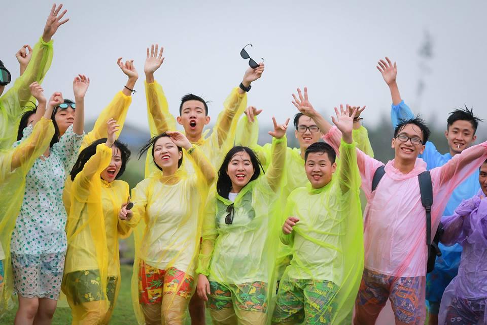 Áo mưa tiện lợi PE hay còn gọi là áo mưa dùng một lần là loại áo mưa được ưa chuộng và phổ biến tại Việt Nam