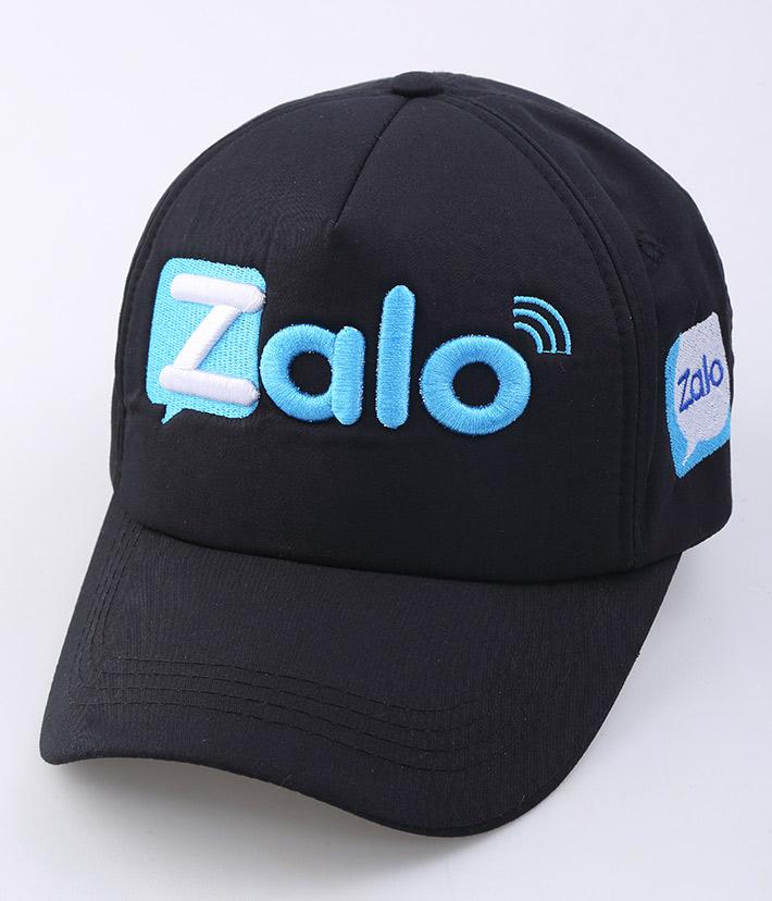 Mẫu Nón Thêu Logo Quảng Cáo Của ZALO trong sự kiện quảng cáo của hãng