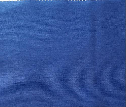 Vải Kaki Pe là loại vải Kaki với thành phần sợi PE nhiều giúp vải bên chắc hơn, giá thành rẻ hơn, tuy nhiên ít thấm hút mô hôi hiểu quả như các loại vải kaki khác.