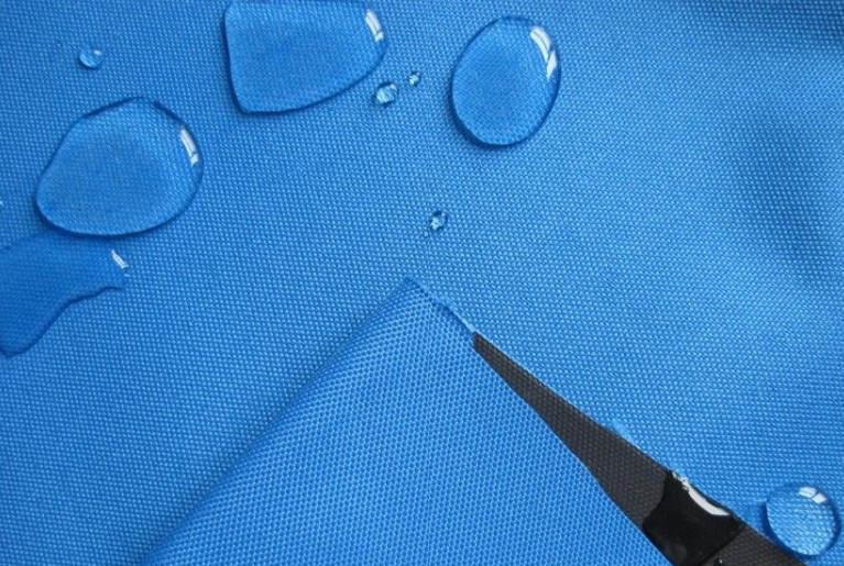Hình ảnh thực tế của Vải Polyester phủ PU chống thấm nước cực kỳ tốt.