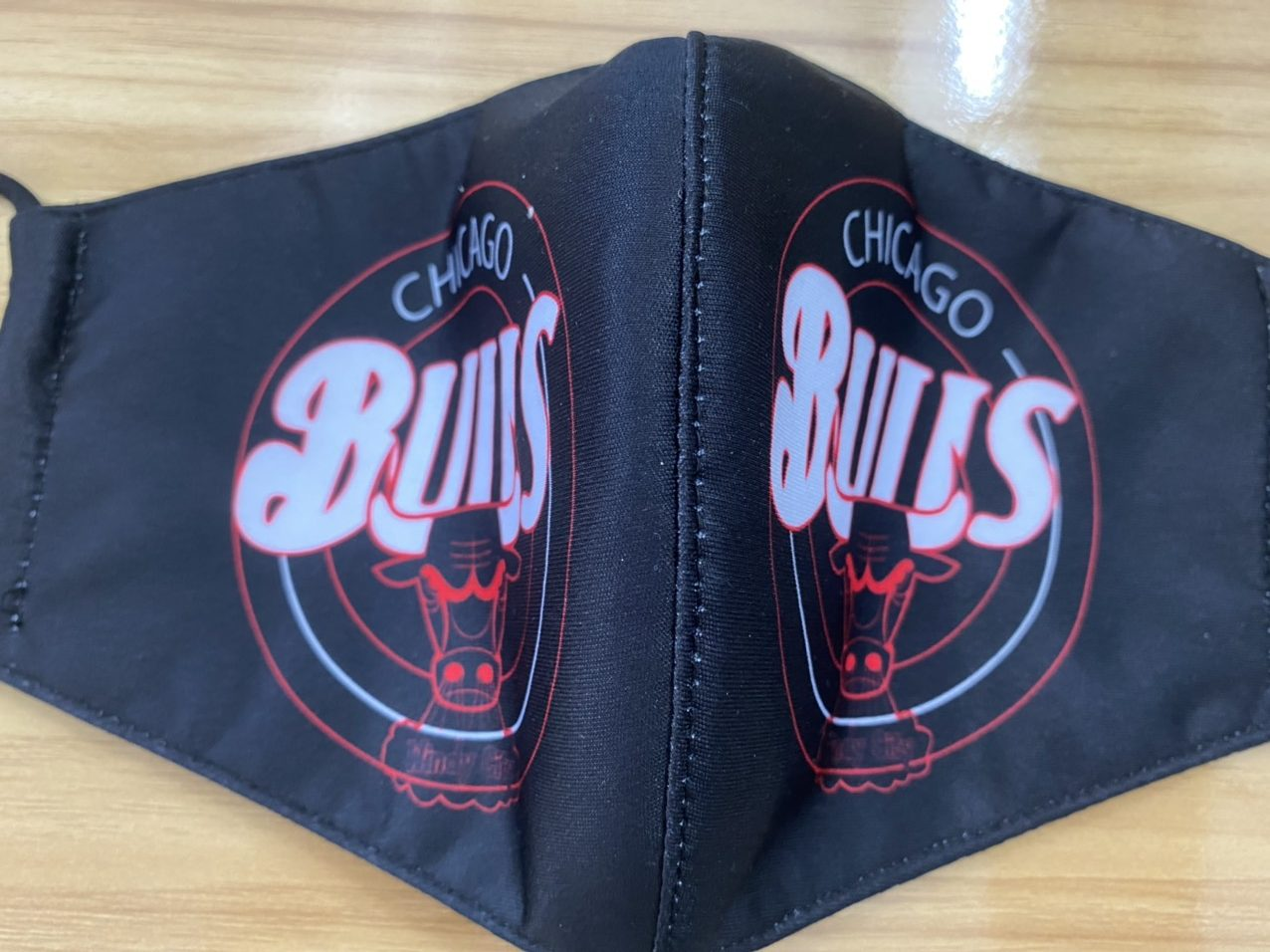 Khẩu Trang Vải In Logo CHICAGO BULLS 2 Lớp - Mẫu Khẩu Trang In 3D Logo Đội Bóng Rổ CHICAGO BULLS Nền Đen 6