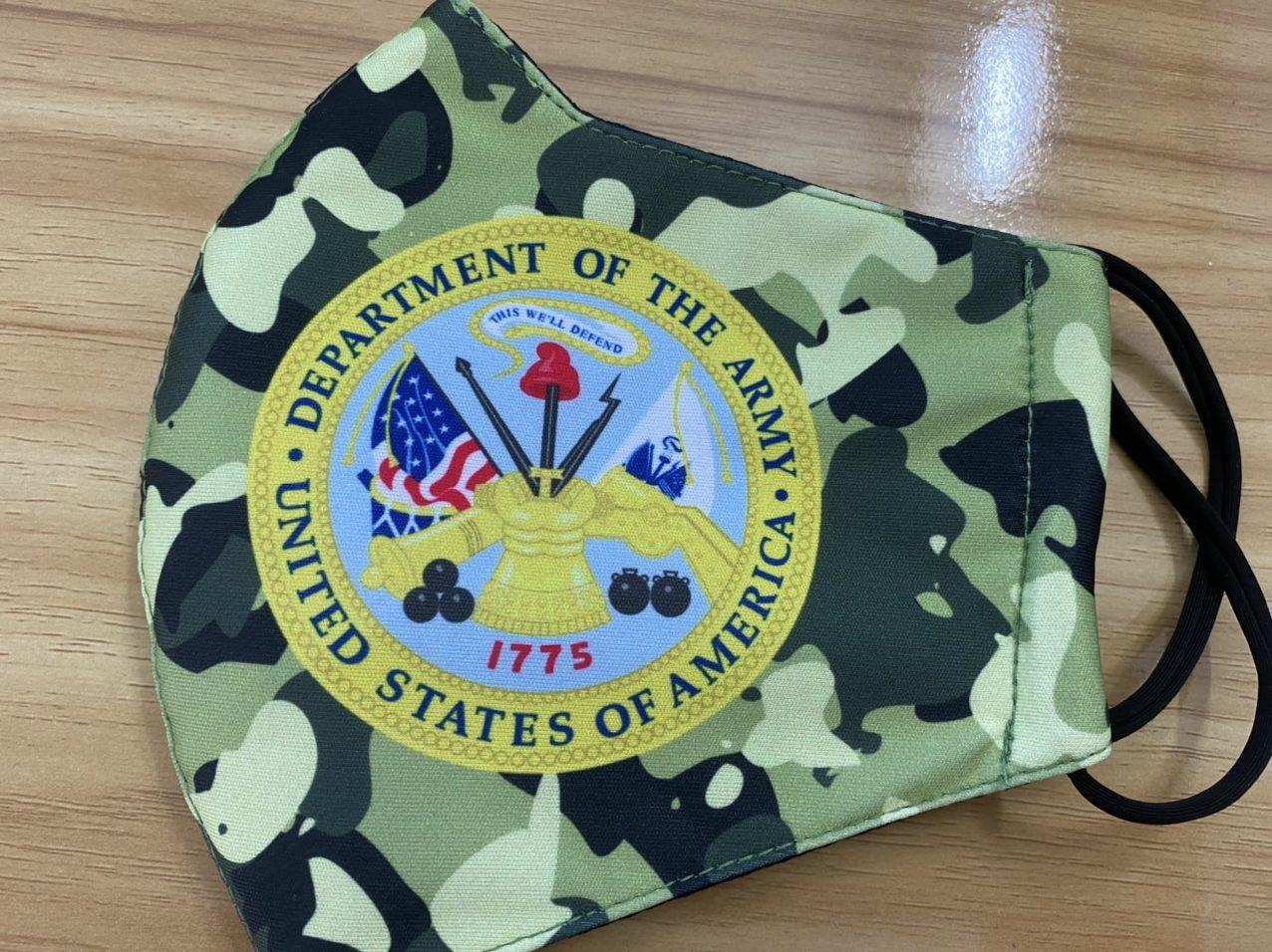 Khẩu Trang Vải In Logo Quân Đội Mỹ 2 Lớp - Mẫu Khẩu Trang In 3D Logo Quân Đội Mỹ Nền Camo 6