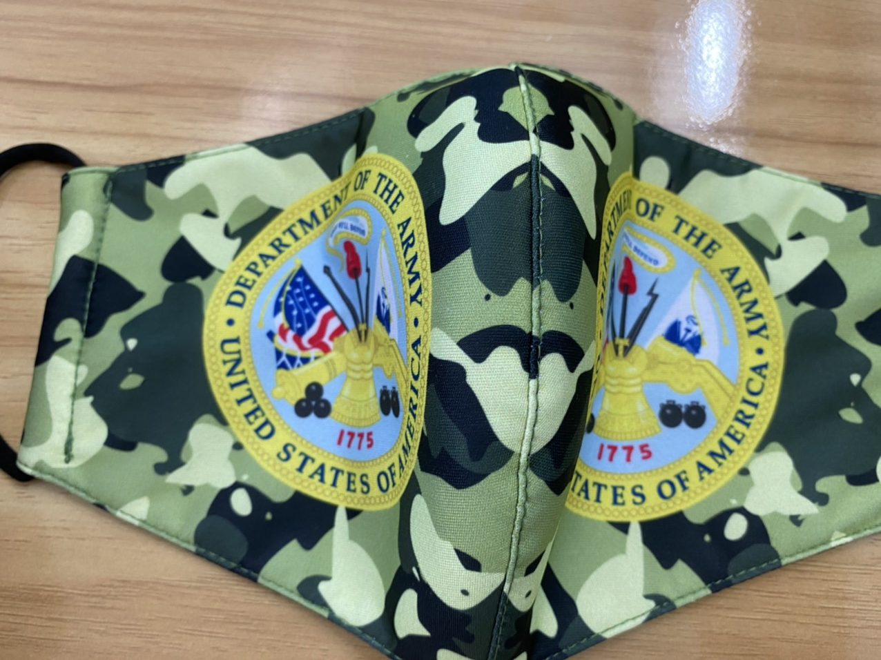 Khẩu Trang Vải In Logo Quân Đội Mỹ 2 Lớp - Mẫu Khẩu Trang In 3D Logo Quân Đội Mỹ Nền Camo 7