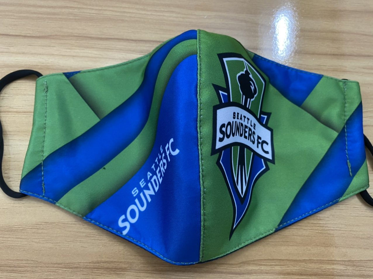 Khẩu Trang Vải In Logo SEATTLE SOUDERS FC 2 Lớp - Mẫu Khẩu Trang In 3D Logo Đội Bóng SEATTLE SOUNDERS FC Nền Xanh 7